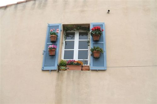 Marseille - isn't this the cutest window you ever saw?