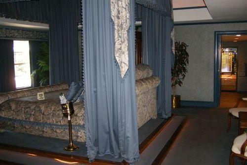 JRs bedroom at Southfork