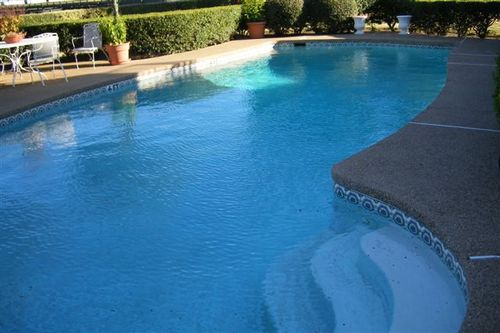 Southfork pool - looked bigger on tv